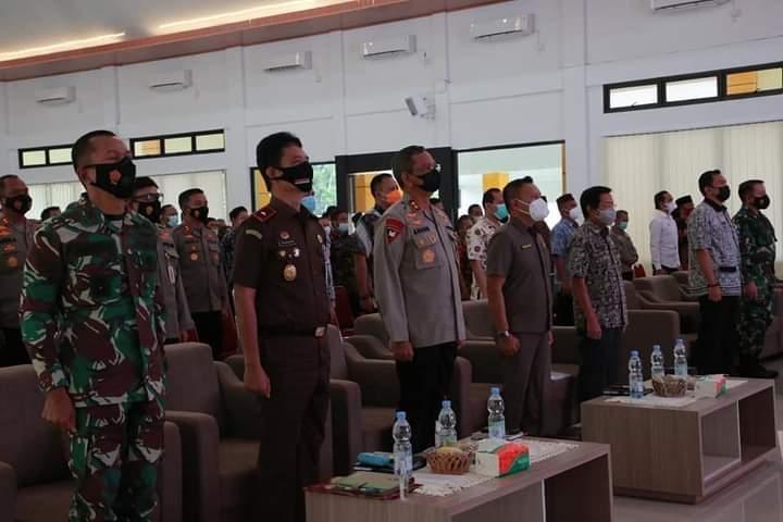 Ketua DPRD Herman Suhadi Memotivasi Kades Perangi Covid -19