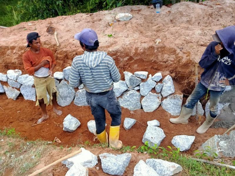 Proyek saluran drainase  Kabupaten Bangka Tengah tahun 2021 dikerjakan asal jadi
