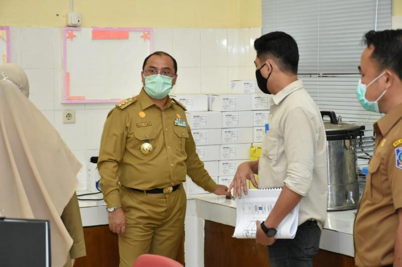 Gubernur Erzaldi Tegas Minta Pemerintah Kabupaten/Kota Segera Operasionalkan Alat PCR.
