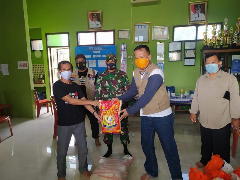 Desa Bencah Jalankan PPKM, Gubernur Langsung Salurkan Sembako
