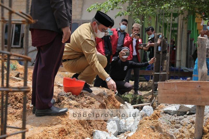 Gubernur: Pesantren Sebagai Tonggak Kejayaan Peradaban Islam di Bumi Serumpun Sebalai