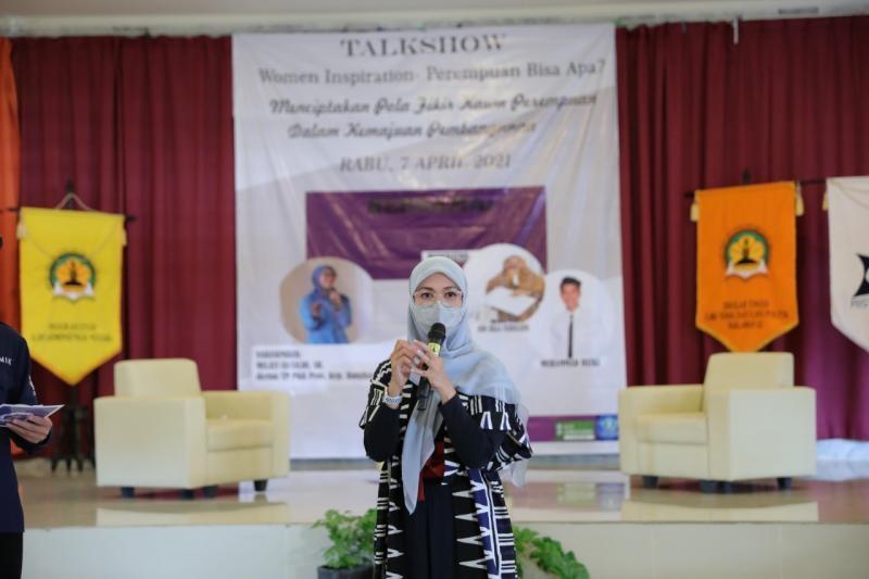 Jadi Narasumber, Melati Erzaldi Beri Motivasi Mahasiswa Stisipol Pahlawan 12