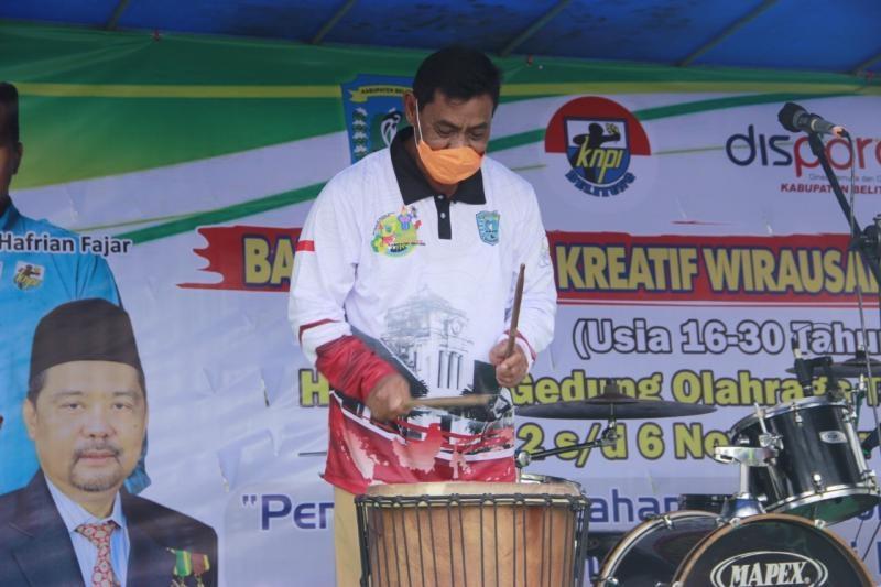 Bupati Belitung Buka Bazar Pemuda Kreatif Wirausaha Muda Pemula