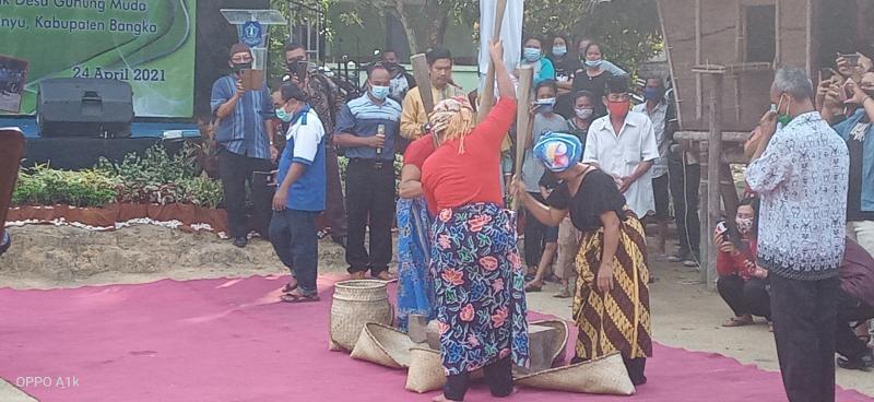 Bupati Bangka Hadiri Nujuh Jerami Desa Air Abik
