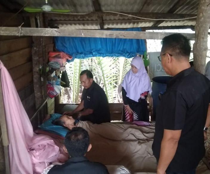 Door to Door, IKT Muntok Sambangi Keluarga Kurang Mampu