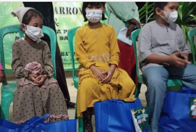 Walikota Maulan Aklil Memberikan Bantuan kepada 31 Anak Yatim Piatu