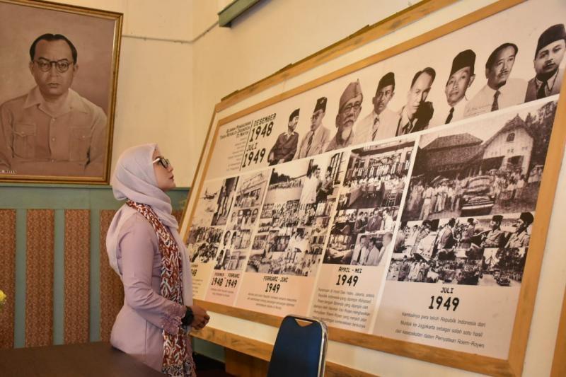 Ketua Dekranasda Melati Erzaldi Terapkan Jas Merah di Muntok