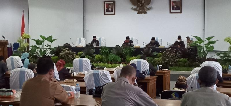 DPRD Bangka Menggelar Rapat Paripurna Pembahasan Penyampaian Raperda Perubahan RPJMD 2019-2023