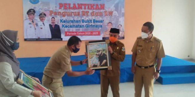 Pengurus Rt/RW Kelurahan Bukit Besar Resmi Dilantik oleh Walikota