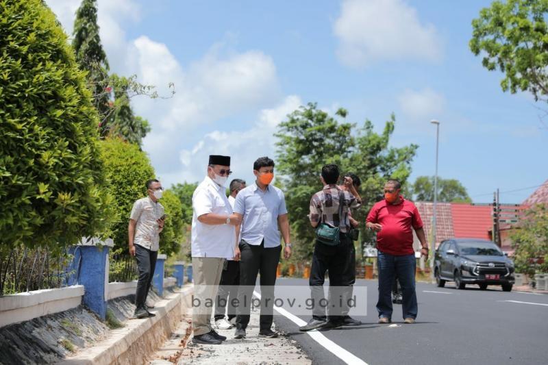 Inspeksi Jalan di Beltim, Gubernur Temukan Jalan Bergelombang