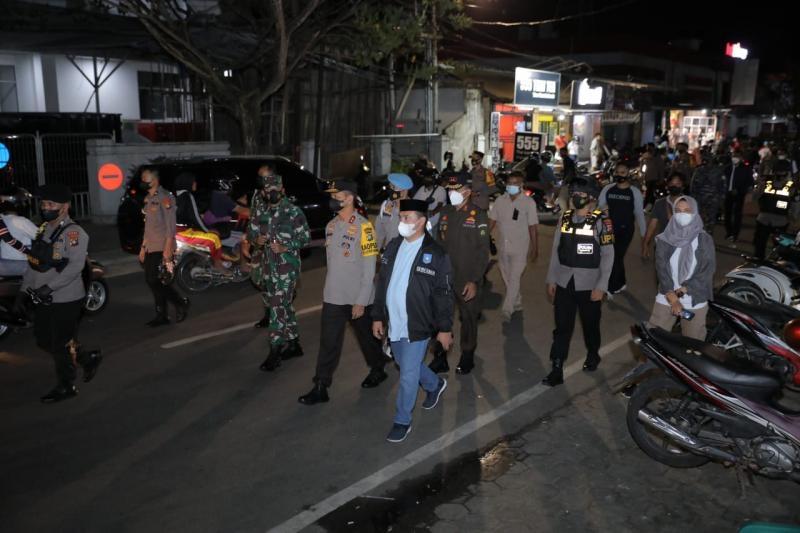 Yakinkan Masyarakat Merasa Aman, Gubernur Erzaldi Laksanakan Patroli Bersama Forkopimda Babel