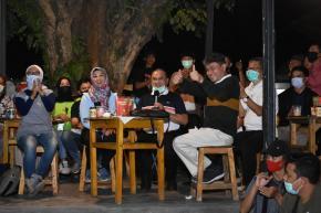 Gubernur Erzaldi Nikmati Film Karya Sineas Muda Babel