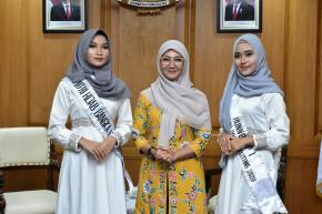 Ibu Melati Erzaldi Bagikan Dukungan Kepada Perwakilan Putri Hijab 2020 Asal Babel