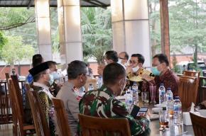 Gubernur Erzaldi Sambut Kedatangan Ketua Bawaslu RI