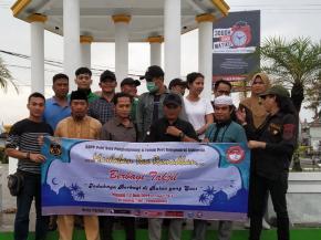 KBPP Polri, FPII dan Wartawan Bagi-bagi Takjil