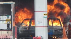Minibus Terbakar Saat Isi BBM di SPBU Pangkalpinang, 3 Orang Luka Bakar