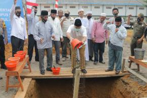 Gubernur Erzaldi Letakkan Batu Pertama Gedung Mekkah Ponpes Modern Daarul Abror