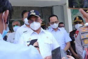 Tidak Bekerja Karena Pandemi, Estuti Bersyukur Mendapat Bantuan dari Gubernur