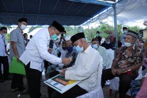 Giliran Warga Desa Batu Tunu yang Mendapat Santunan Zakat