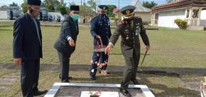 Peringati Hari Pahlawan, Dandim 0414/Belitung laksanakan Upacara Nasional Di Taman Makam Pahlawan