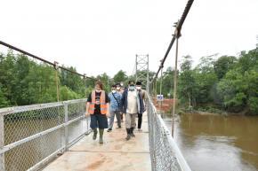Gubernur Erzaldi Resmikan Jembatan Gantung, Penghubung Desa Labuh Air Pandan dan Desa Kota Kapur