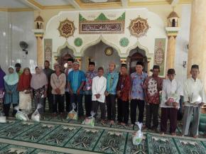 Safari Ramadhan Pemkab Bangka di Sinar Baru, Santuni Warga dan Bantuan Masjid