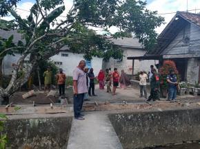 Warga Sudi Mampir protes ,lahan nya di pagar Tentara
