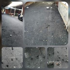 Proyek Pengaspalan Jalan Pasar Tanjungpandan Tanpa Nama Papan Proyek
