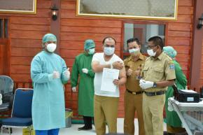 Gubernur Erzaldi Telah Terima Vaksinasi Covid-19 Dosis Kedua