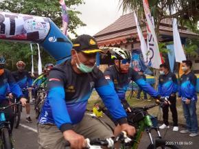 Dandim 0414/Belitung bersama Bupati Belitung ikuti Fun Bike (Gowes) Pesona Belitung