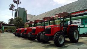 Kodim 0413 Bangka Lepaskan Traktor  Bantuan Penanaman Sawah