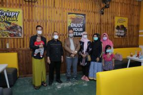 Gubernur Erzaldi Kenalkan Restoran Lokal Pada Ustaz Yusuf Mansyur
