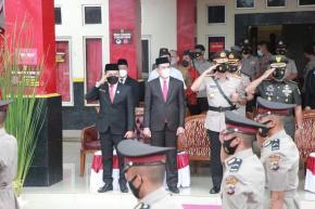 Ketua DPRD Herman Suhadi Ikut Upacara Penutupan Diktukba Polri