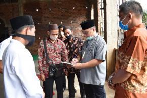 Usai Bagikan Bantuan Lada, Gubernur Erzaldi Kunjungi Masjid Nurul Iman Desa Terentang