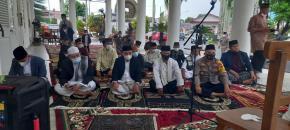Walikota Sholat Idul Fitri di Rumah Dinas