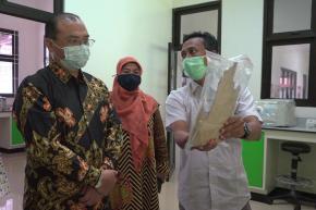 Tingkatkan Keuntungan Petani Gaharu, Gubernur Erzaldi Gaet Puslitbanghut LIPI