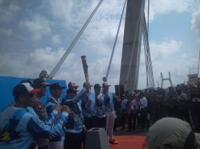 Pawai Obor Asian Para Games 2018 Berlangsung Meriah di Pangkalpinang