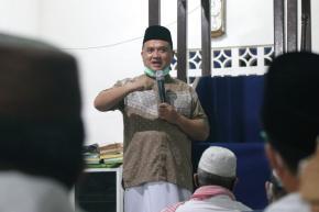 Sajadah Fajar di Muntok, Gubernur Erzaldi Ingatkan Disiplin Terapkan Protokol Kesehatan