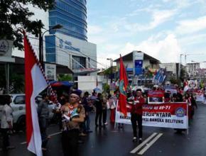 Hujan Tak Hentikan Antusias Peserta dan Masyarakat, Karnaval Jalan Terus