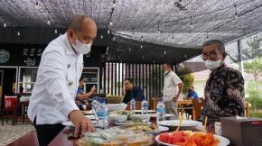 Walikota Hadiri Pembukaan Resto Lempah Kuning Kampak Serasi di Tuatunu