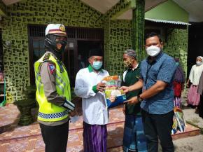 Polres Belitung Bagikan 200 Karung Beras, Sambut Bhayangkara