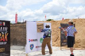 Meriahkan Kejuaraan Menembak Danlanud Cup 2021, Gubernur Turun di Dua Nomor