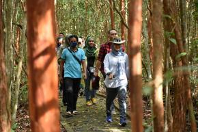 Bersama The Localenablers, Ibu Melati Eksplorasi Objek Wisata di Pulau Bangka