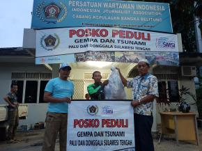 BEM Prabowo-Sandi Serahkan Ratusan Lembar Pakaian Layak Pakai untuk Palu-Donggala