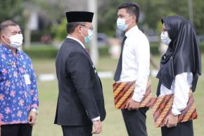 Gubernur Erzaldi Serahkan SK CPNS Formasi 2019