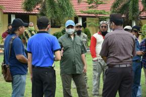 Gubernur Erzaldi Berikan Bantuan Ke SMA Negeri 1 Lepar Pongok