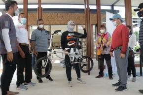 """Tour de Babel: Tanda Lahirnya Sepeda Lipat """"Billiton"""" Karya Anak Negeri"""