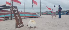 Simbol Kekecewaan, Nelayan Matras Bikin Makam Bupati