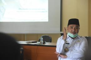 Gubernur Erzaldi Minta Sertifikasi Durian Super Tembaga Klamunod Disegerakan