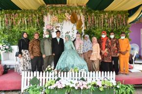 Gubernur Babel, Erzaldi Rosman dan Istri Hadiri Resepsi Pernikahan Warga Pulau Lepar